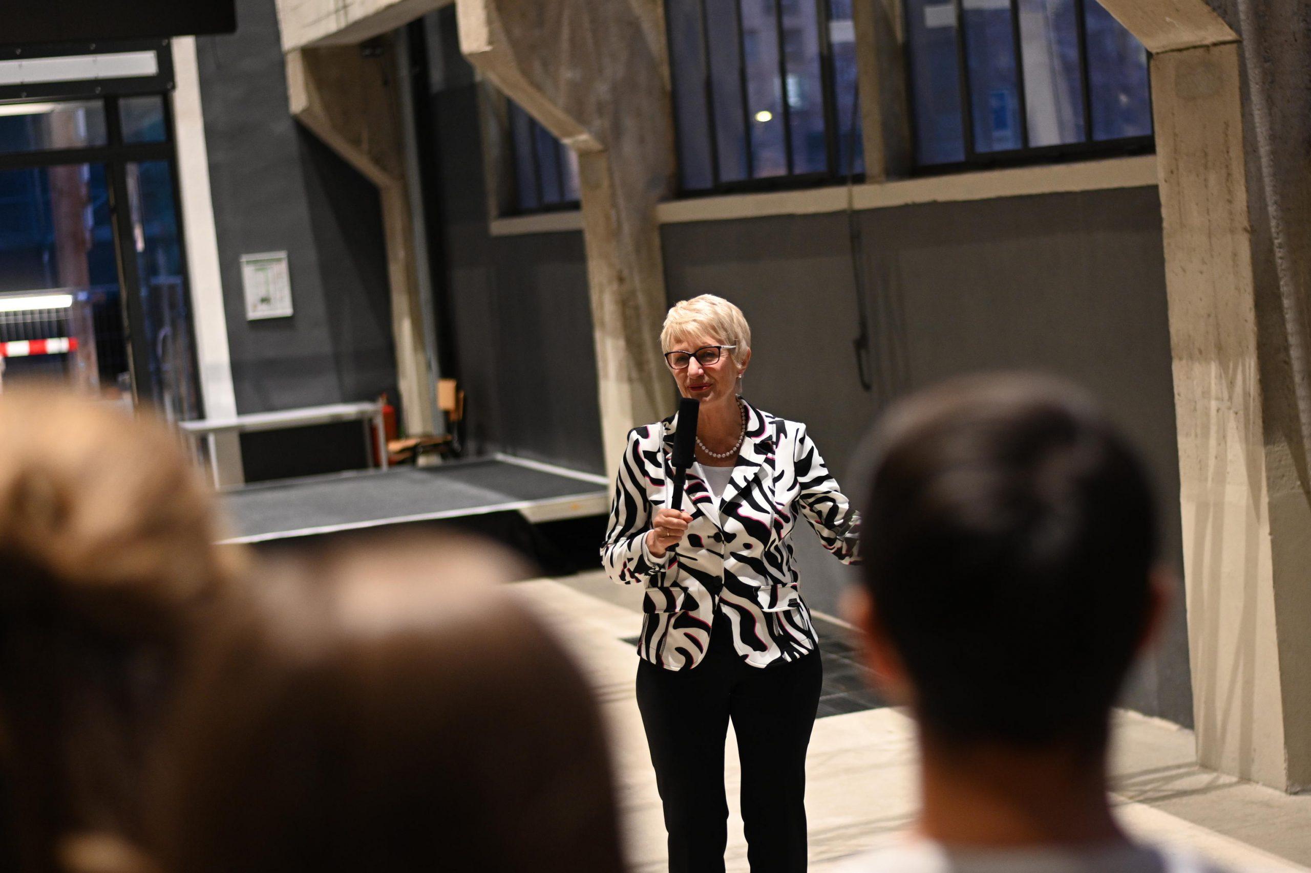 Ulla Nagel moderiert Visionsworkshop